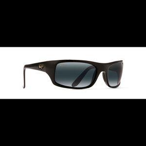 Maui Jim Peahi Polarized Wrap sunglasses 🕶